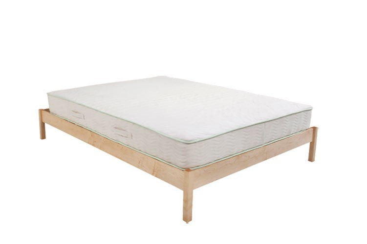 B Flat Natural Maple Platform Bed Set