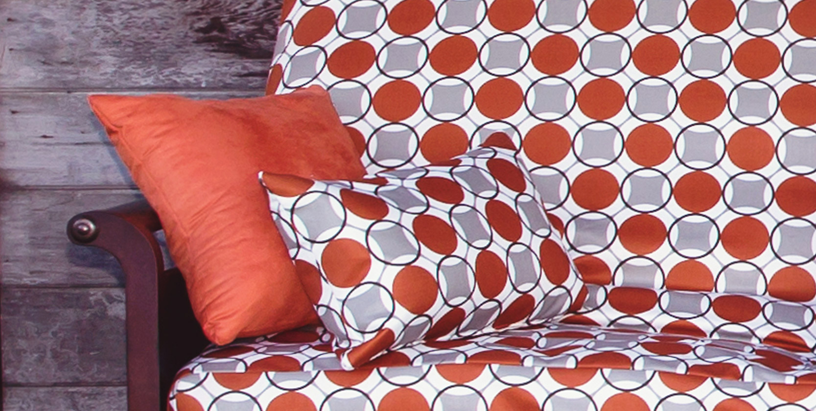 Choosing the right futon slipcover Color & Pattern
