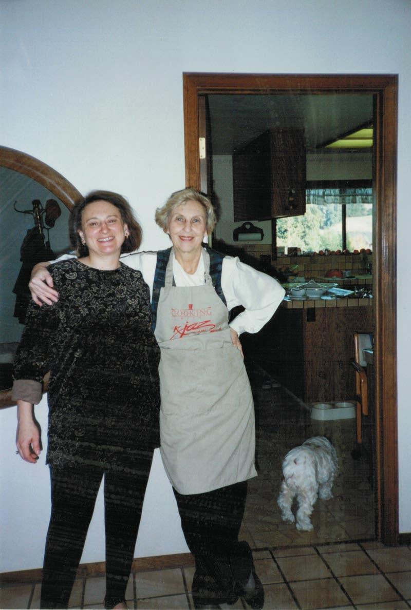 Poland Search Date 2018 10 15 Krezi Kamis 39 The Olive House Rak Sepatu Kain Wine