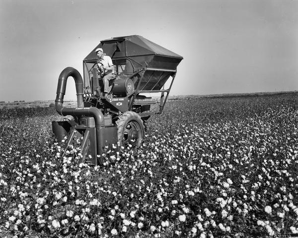 Cotton Picker Model h-12-h